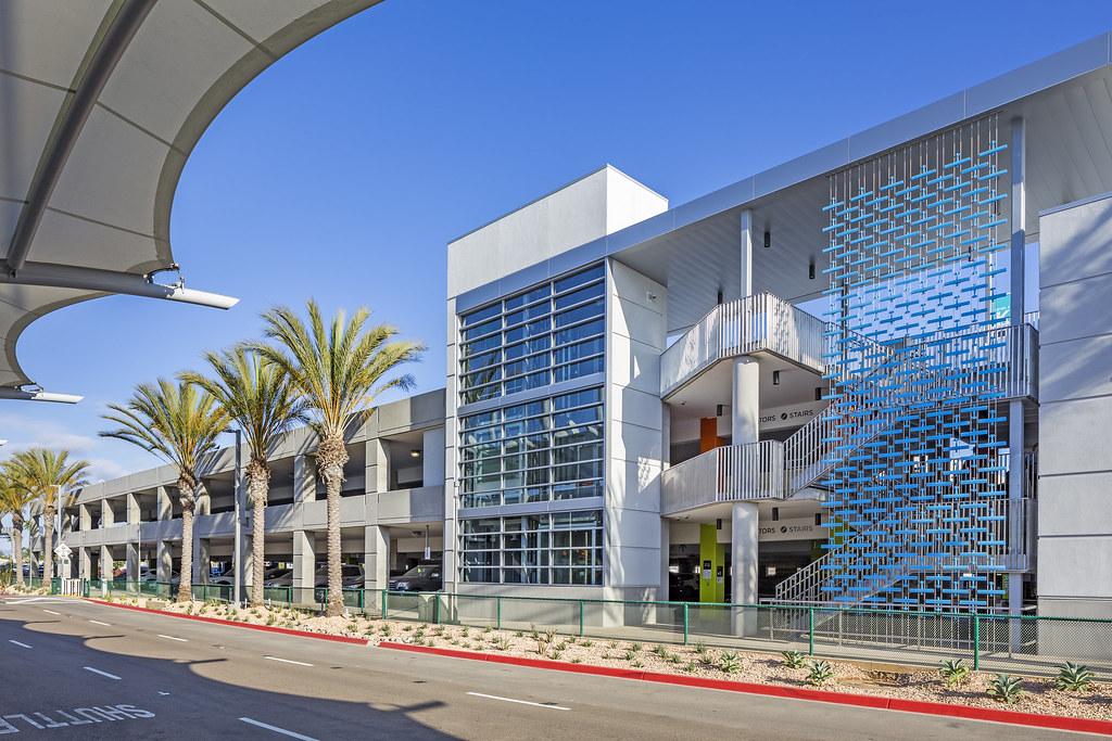 Parcheggio Plaza Del Terminal 2 – San Diego